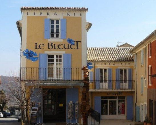 Visite au Bleuet, la maison des livres…